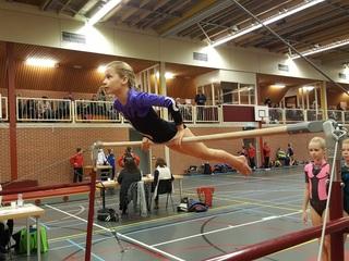 meen sport beker met daarop i love gymnastics